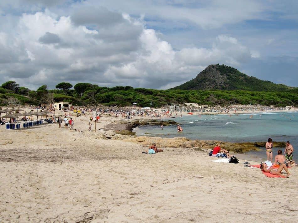Strand der Cala Agulla